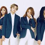 Người hâm mộ xót xa khi SM ăn mừng 9 năm debut f(x) chỉ bằng... một chiếc thẻ tên - Saostar.vn